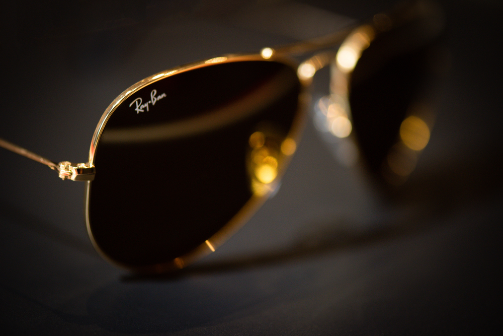 Occhiali da sole: la storia dei Ray Ban dai modelli a goccia
