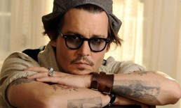 Johnny Depp occhiali da sole sfumati